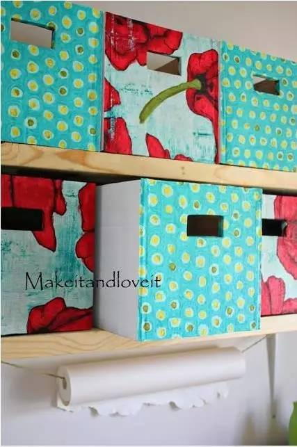 用纸箱子进行裁剪,还可以做出一个个漂亮的迷你收纳盒,放在家里逼格
