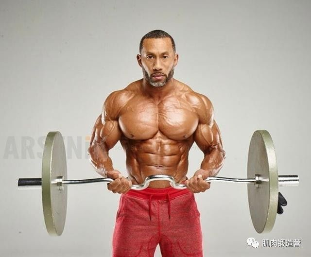 胸肌训练进阶,做双杠臂屈伸,它对胸部的撕裂有多大的效果?