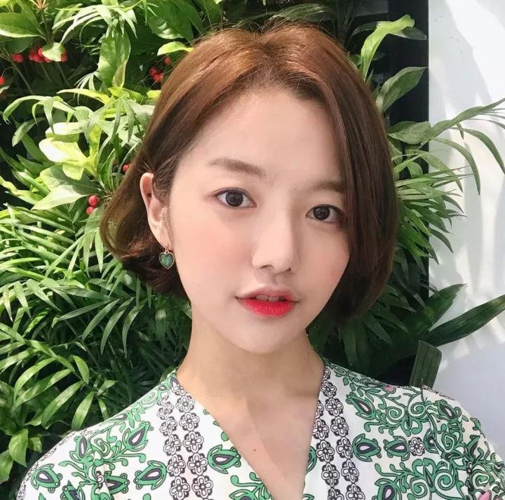 韩式微卷短发发型图片