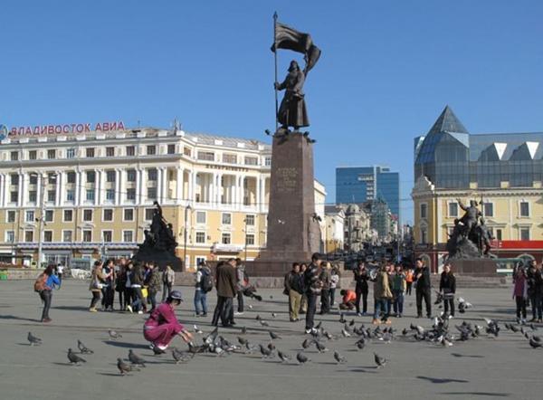 中国边境最大的外国城市,战略地位非常重要,风景秀丽美女众多