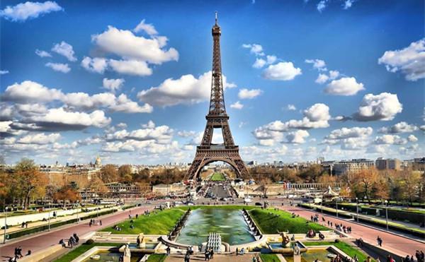 法国巴黎埃菲尔铁塔