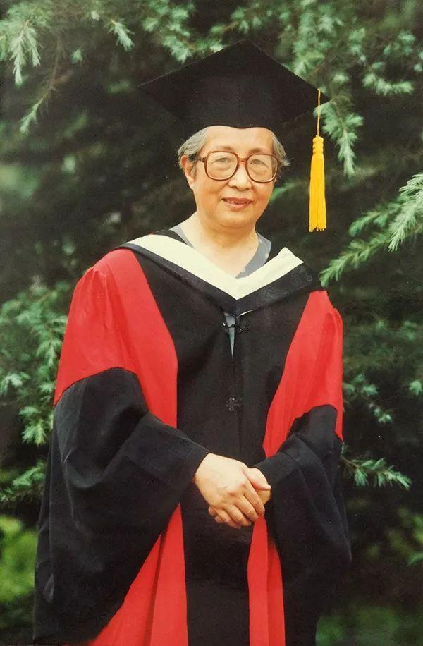91岁中国法医学奠基人之一吴梅筠:看白细胞穿来穿去,像电影一样,挺好玩儿