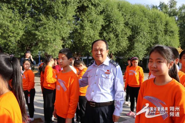 怀仁县国税局走访慰问朔州市聋哑学校