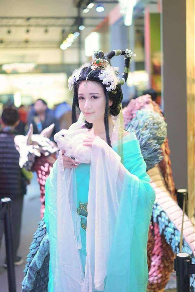 中秋佳节怎能没有嫦娥和玉兔的陪伴?