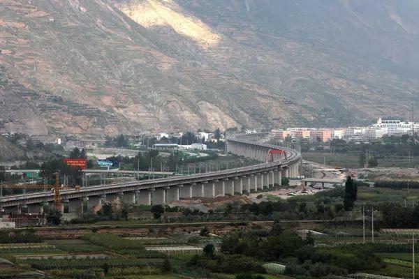 白龙江三号特大桥图片