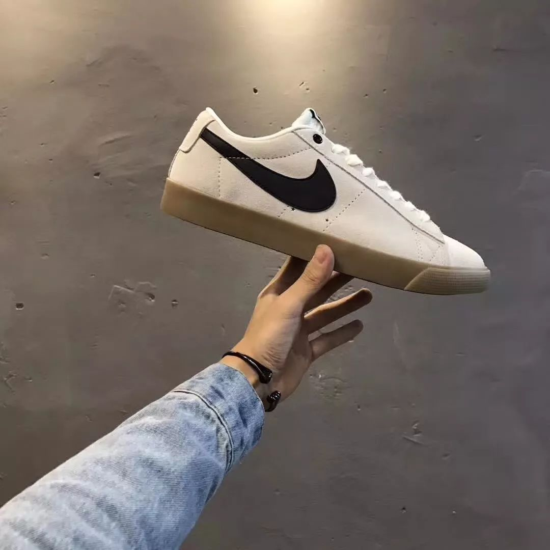 What are the characteristics of the Nike shoes series of shoes?