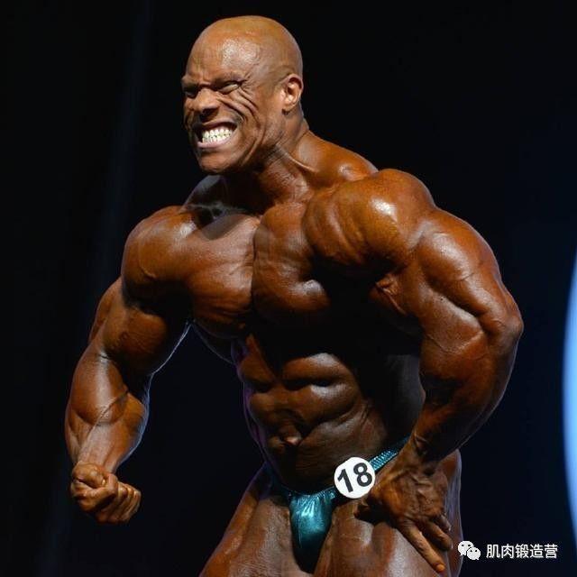 4个动作教你练肩,训练上肢最好的武器,提高你的肌肉水平