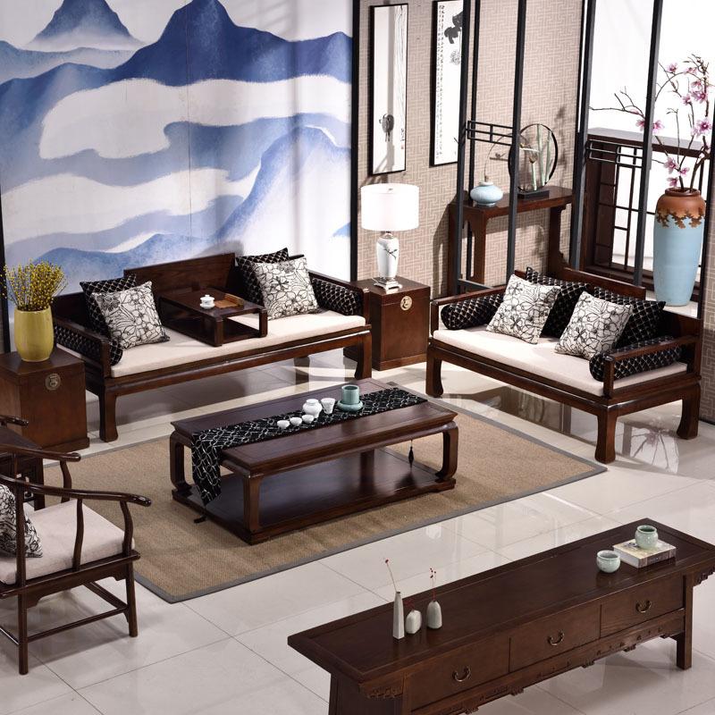 谁现在还用皮沙发,当下流行中式实木沙发,让客厅看起来更豪华图片