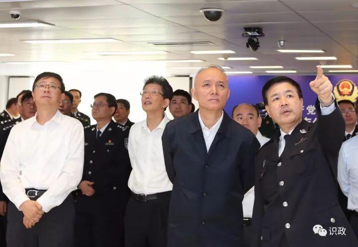 干部在岗,群众过节,国庆当天蔡奇陈吉宁去了哪儿?