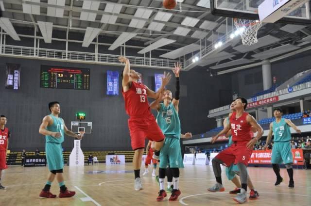 首场比赛进行的是季军争夺战,由桂林兴安泽丰源对阵武汉逆行篮球