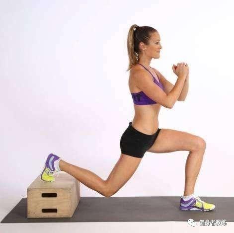 bob体育:嫌弃自己的臀型不好看?学一学这几个动作,塑造优美臀部!