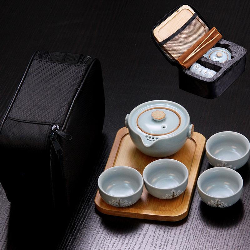 相信大家都喜欢旅行吧,那就带上这一套旅行茶具吧