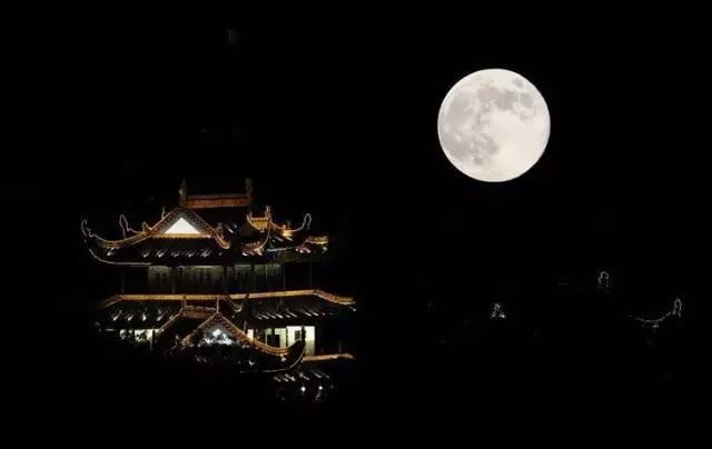 最美的月与诗,专为中秋而来 总有一首打动你