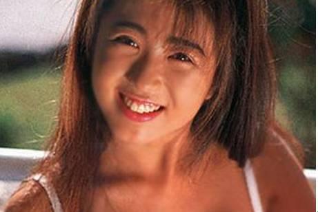 饭岛爱av视频下载_她曾是日本家喻户晓的明星,却被强暴,拍av, 自杀,饭岛爱的一生到底有