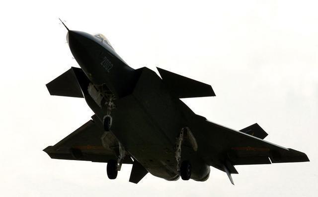 中国的几个飞机制造厂:为什么不能一起全力生产更多的歼20?
