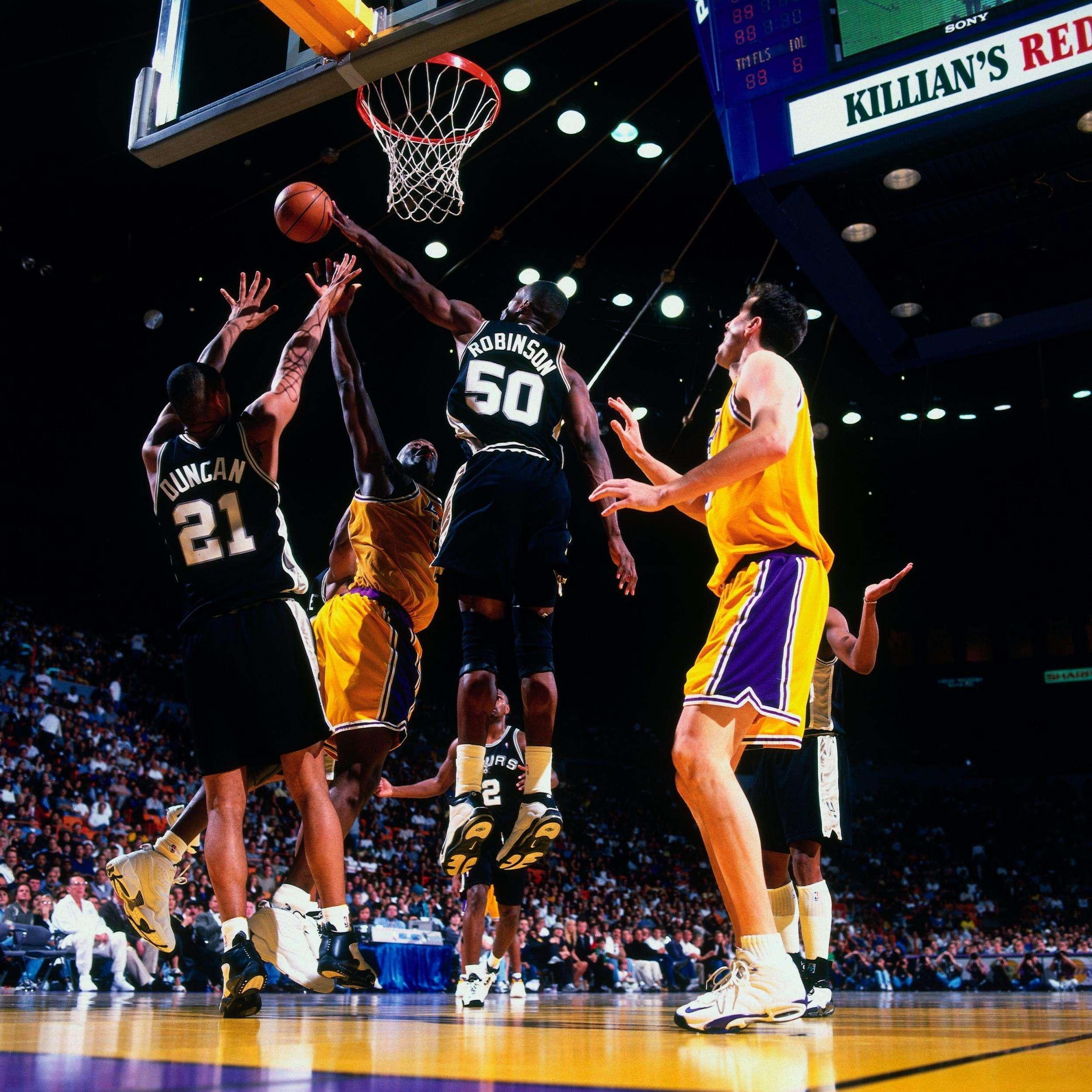 姚明盖帽奥尼尔_NBA历史仅两状元首秀拿到20+10 不是奥尼尔和邓肯 现役一人毁于伤病