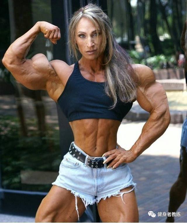 维密超模的瘦手臂秘籍,几个动作坚持训练,让你的手臂美起来