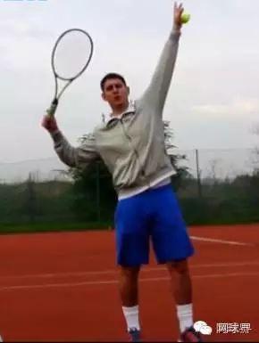 网球发球训练指南图片