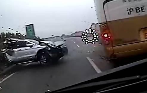 高速公路为什么会堵车 真实原因是