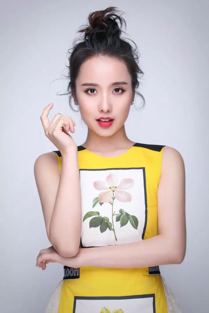 燕子姐姐_娱乐 正文  李锐,沈梦辰,杜海涛,小燕子四大明星主持将担当《翻开这一