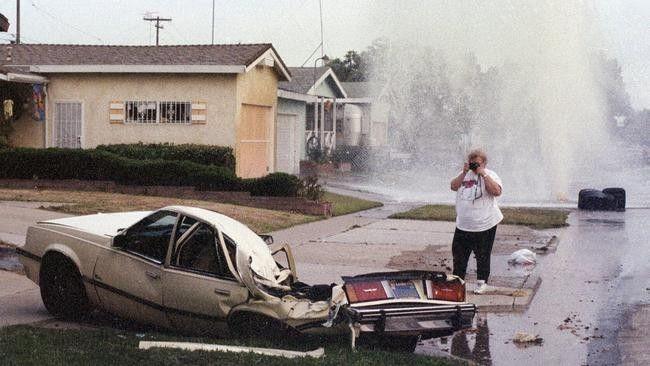 真土豪!别人的小区里都是小汽车,休斯顿的小区里停货真价实二战