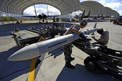 日本又背后搞事!这次竟盯上了中国刚列装的歼20