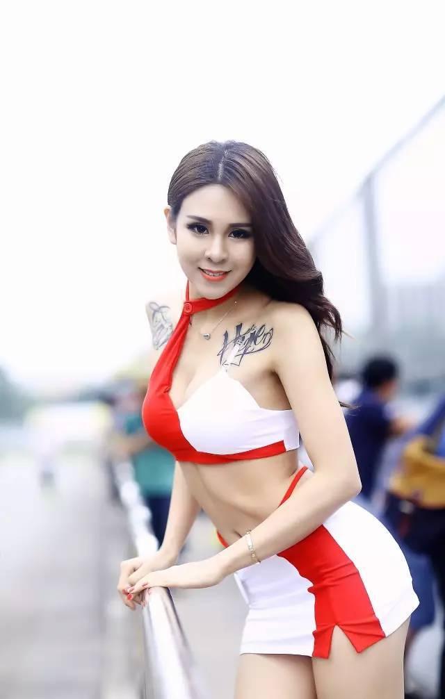 2016珠海改装车广告拍摄主镜模特 香港歌手 中国第一位国际模特大赛的