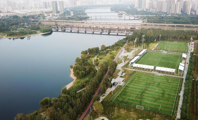 体育 正文  沈阳哥德杯世界足球公园位于长白岛经济区满融地区浑河南