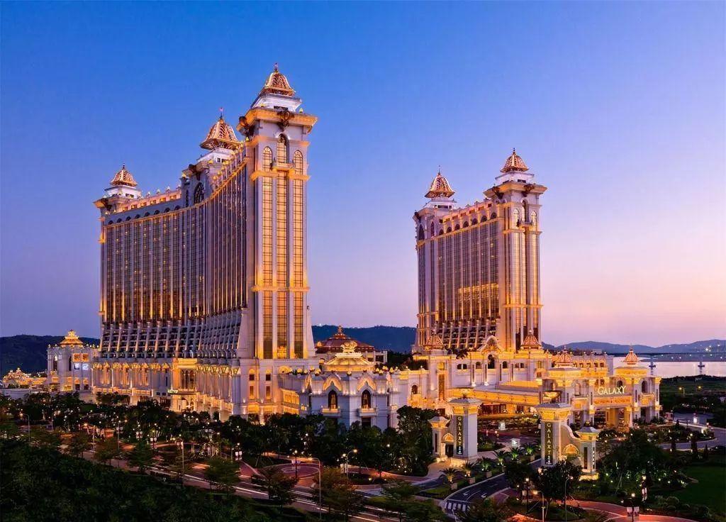 五星级豪华度假村 | 澳门银河酒店938元/套,含2大2小全亚洲最大空中