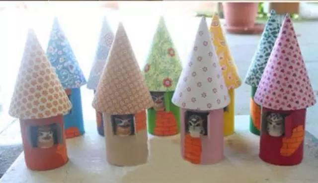 今天小编教一个幼儿园手工制作哦,用卫生纸筒制作可爱的卡通小房子,老