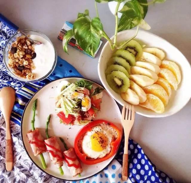 运动食谱一日三餐图片