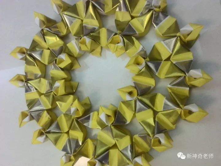 主要用来折金元宝,金元宝有单张折法和两张折法两种.