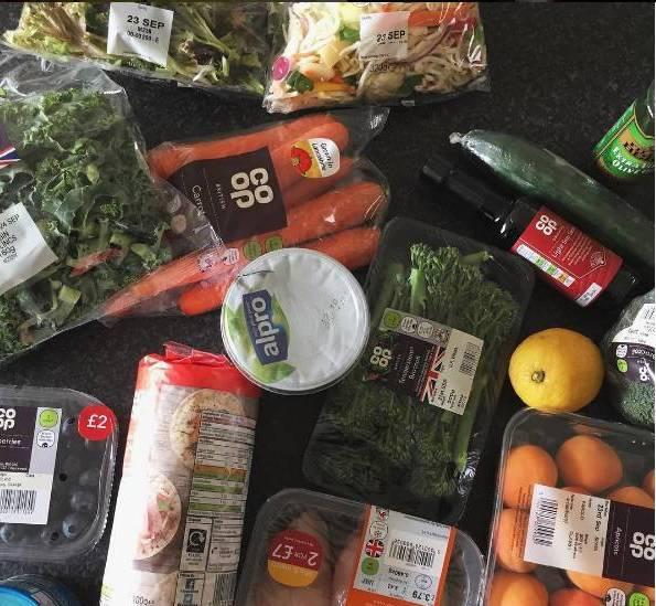 运动减肥食谱一日三餐计划表图片