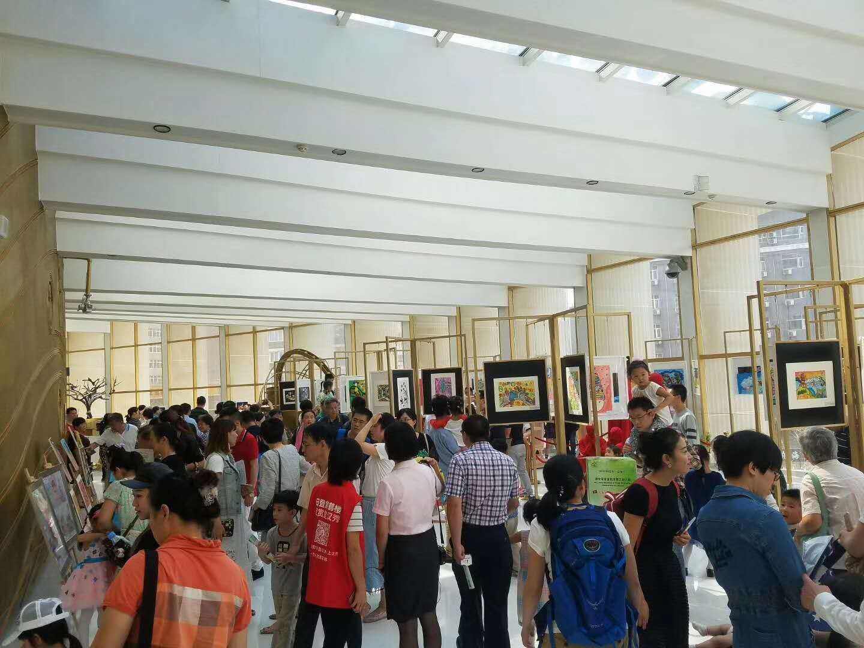 迎国庆 庆回归 庆香港回归二十周年儿童绘画作品展在汉秀举行