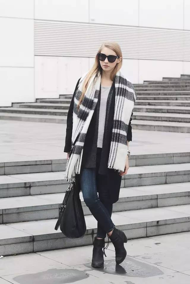 时尚|大毛衣+紧身裤,简约单品穿出不俗气质!