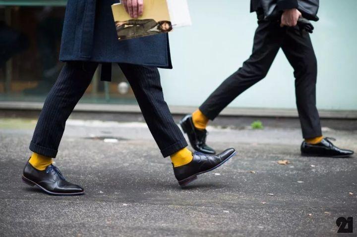 男士时尚课:学会穿袜子