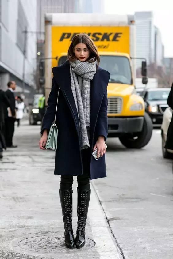 时尚|大毛衣+紧身裤,简约单品穿出不俗气质! 29