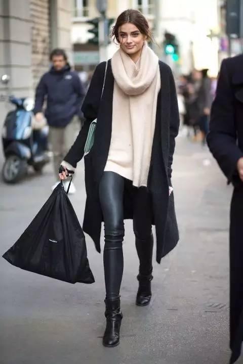 时尚|大毛衣+紧身裤,简约单品穿出不俗气质! 3
