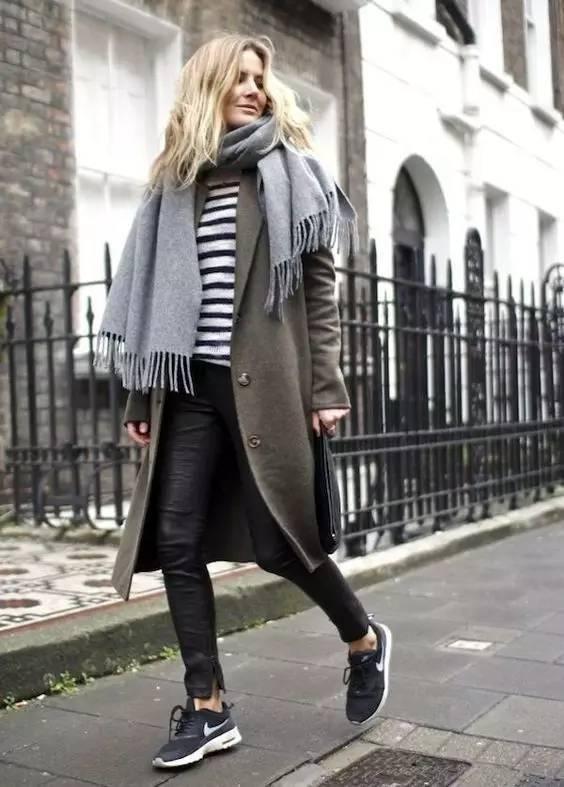 时尚|大毛衣+紧身裤,简约单品穿出不俗气质! 31