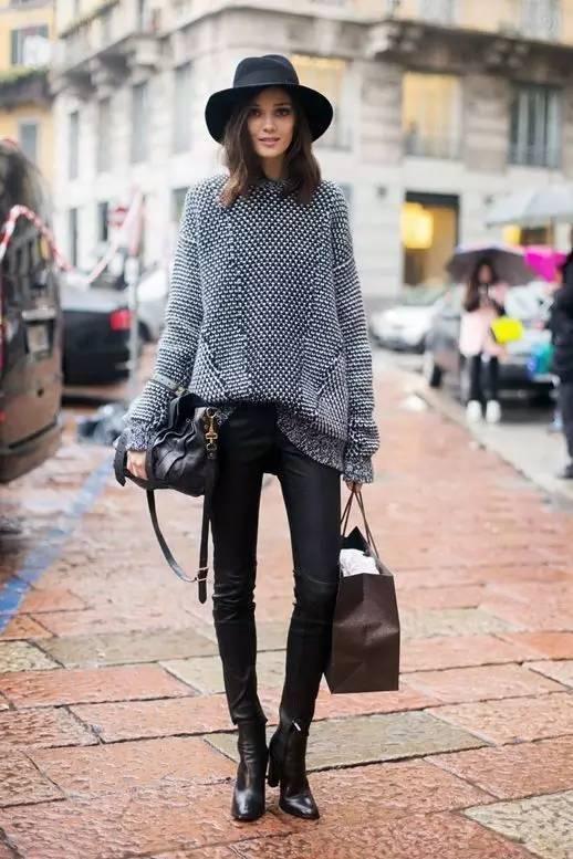 时尚|大毛衣+紧身裤,简约单品穿出不俗气质! 11