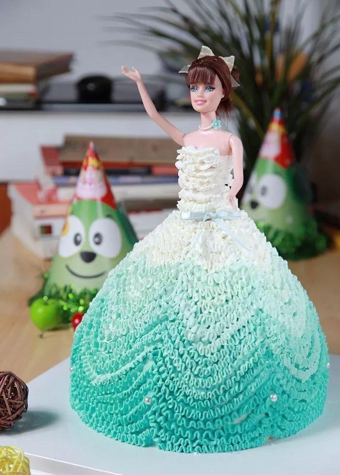 芭比娃娃蛋糕:圆女孩心中的公主梦图片