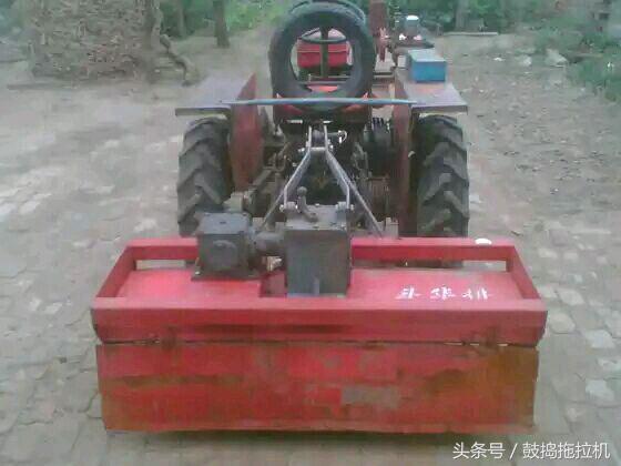 单缸小四轮拖拉机,改装侧输出轴悬挂旋耕机,屌到爆图片