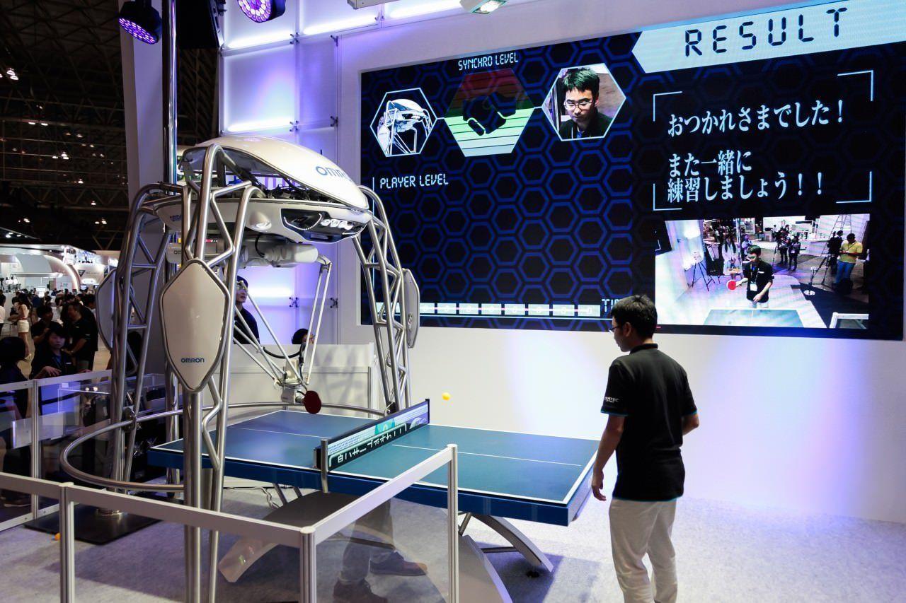 还把乒乓球机器人当神?现在的它更像是慈祥的
