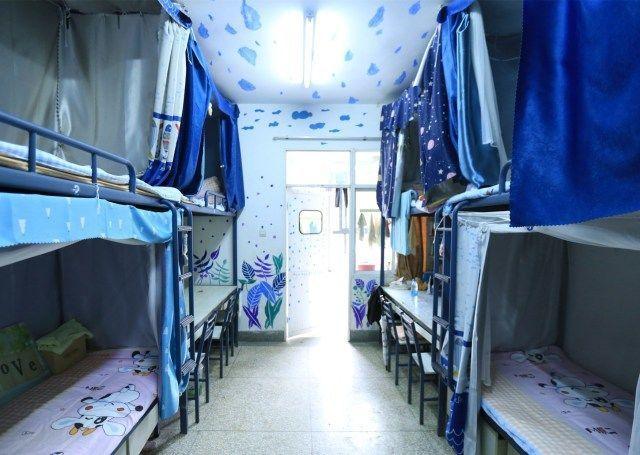 校园之声丨云南民大附中,用心装扮,用爱点缀,让宿舍更图片