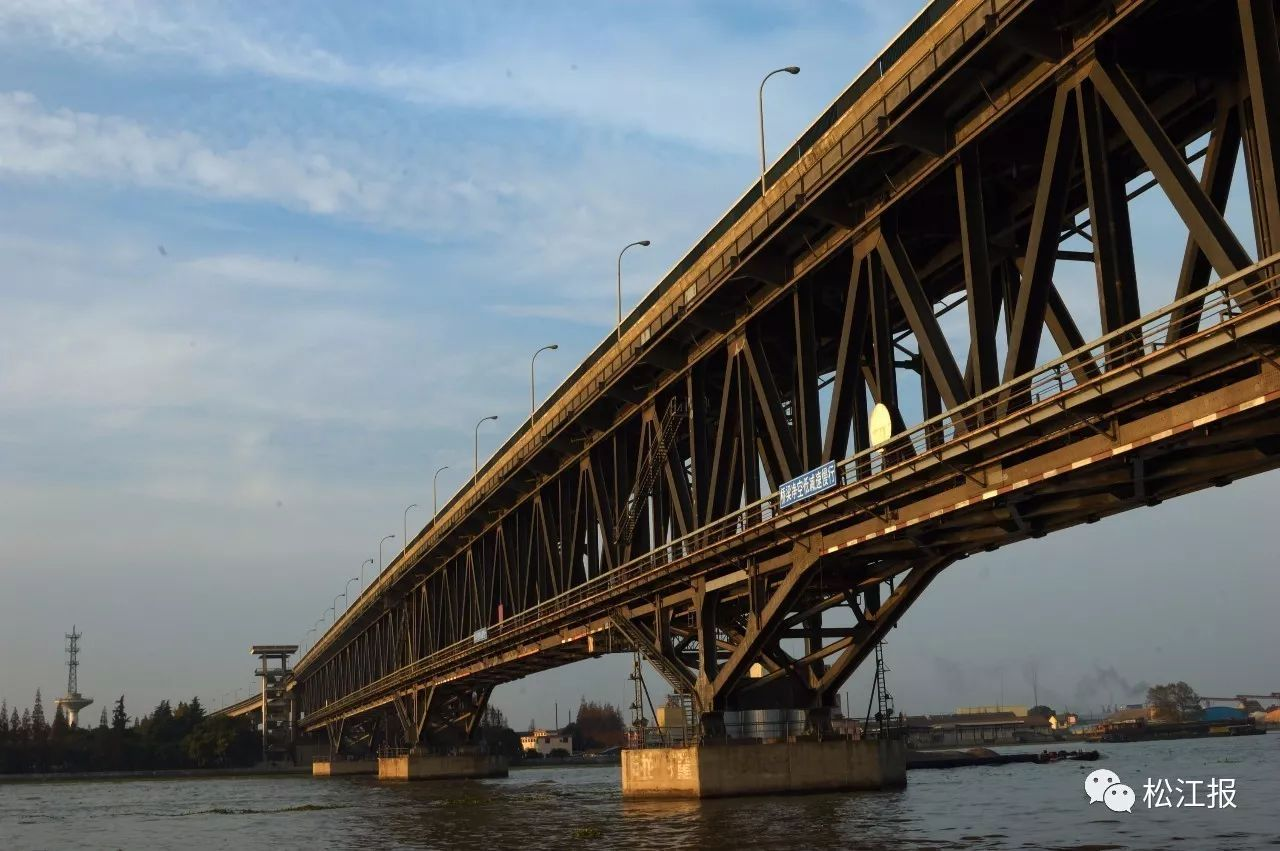 三环浦上大桥互通匝道上 骑电摩男子被撞身亡_福州新... _海峡网