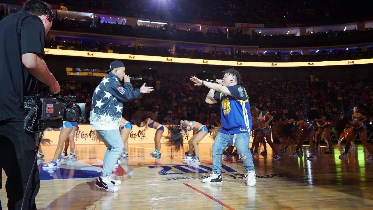 从中国有嘻哈到NBA舞台,这两个Rapper只用了一首歌的时间!