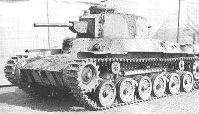 日本坦克与中国运输队遭遇 被我军卡车加大油门直接撞下了悬崖