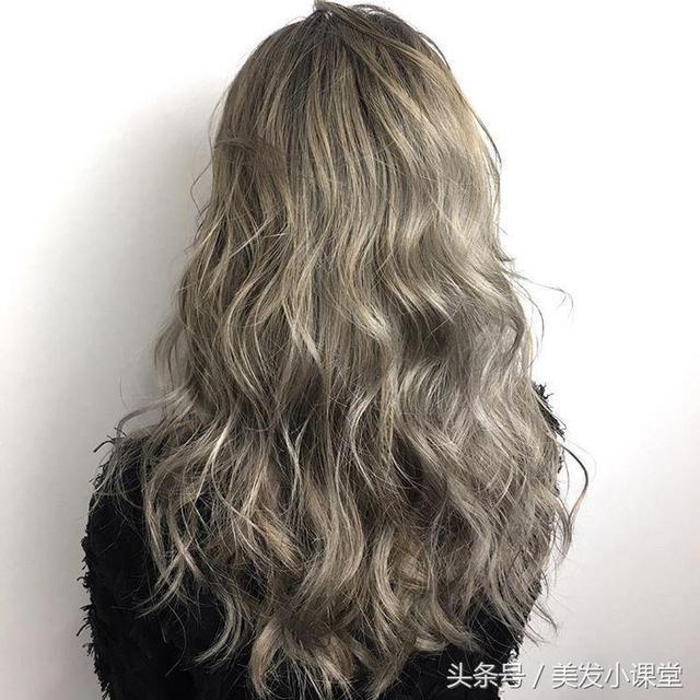 长发动感水波纹,最美的卷发发型