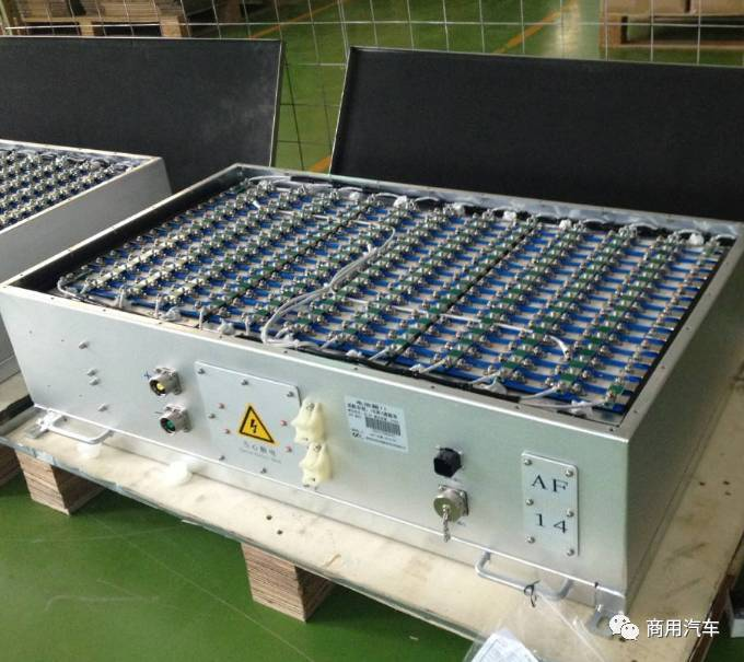 磷酸铁锂与三元锂电池分天下 客车领域磷酸铁锂仍占主流(第1页) -