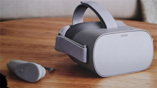 Oculus发布独立VR头显 定价199美元明年年初上市